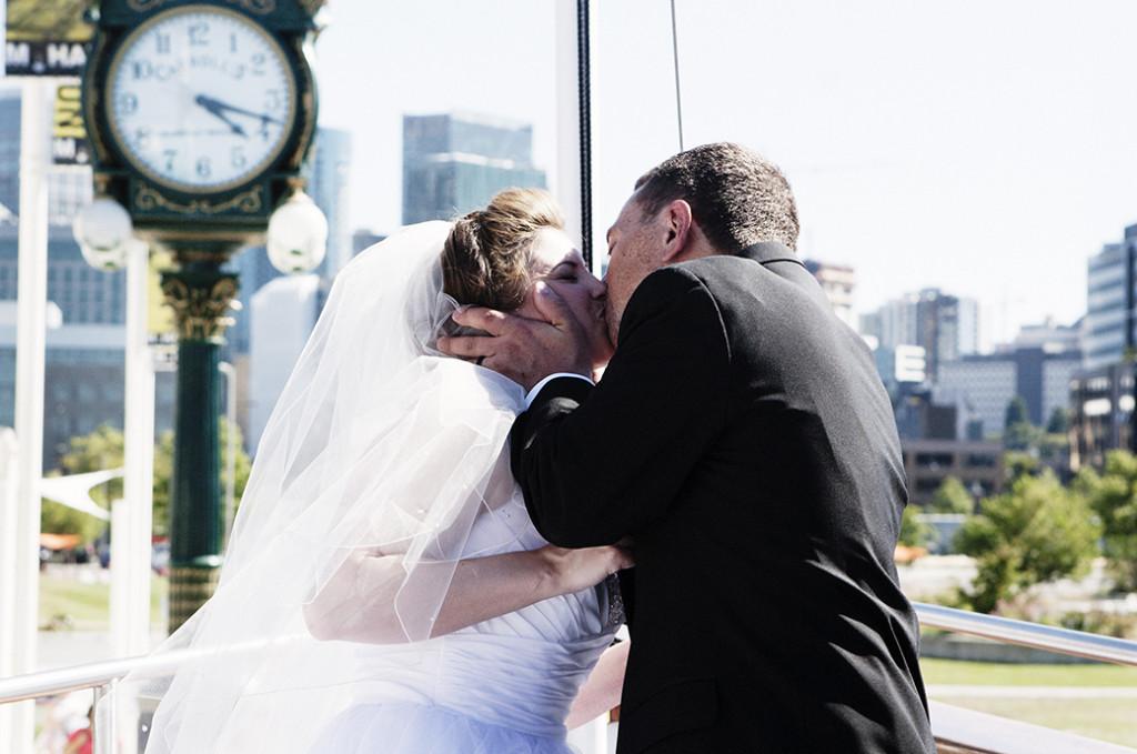 FIrst Wedding Kiss Winthrop Wa wedding photography