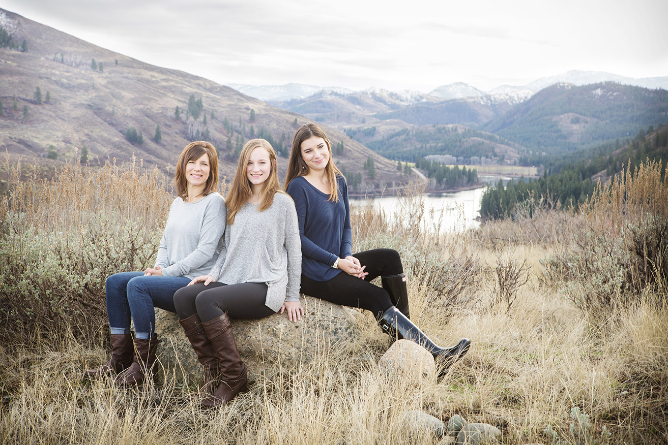 Sun Mountain Lodge Methow Valley Family Photographer
