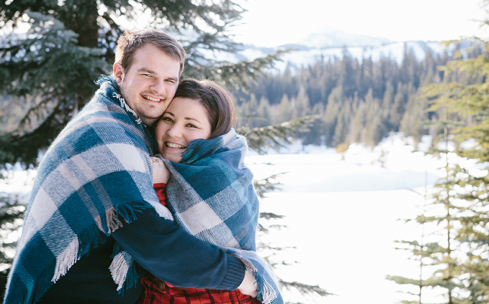 Winter-Engagement-Photos-at-Gold-Creek-Pond-Snoqualmie-Pass-