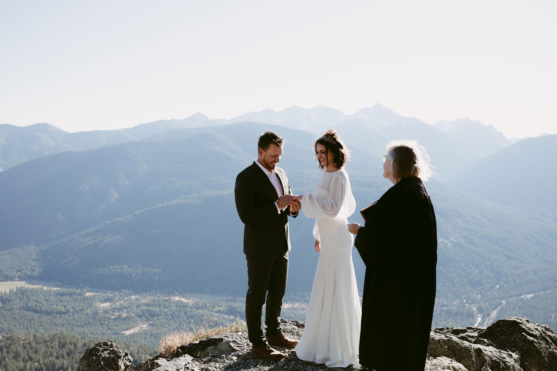 Exchanging Rings Elopement Mountain