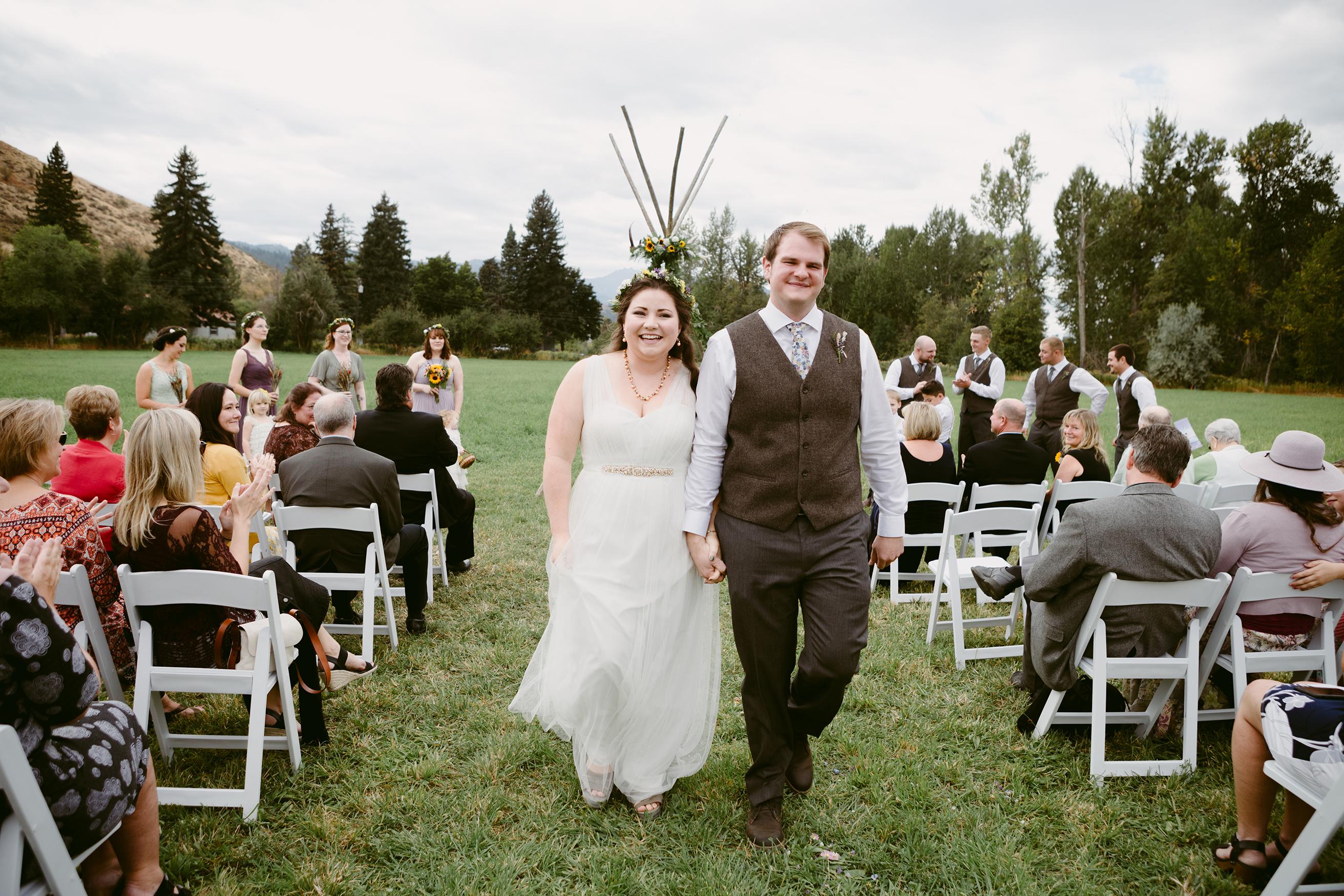 Bride Groom Spring Creek Ranch Methow Valley