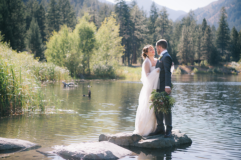 Lakeside wedding methow valley