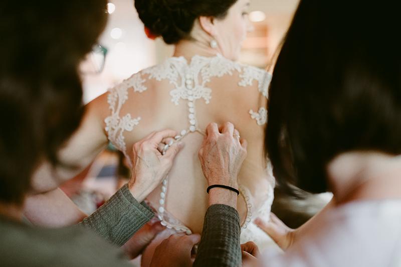 Bride with wedding dress winthrop wa